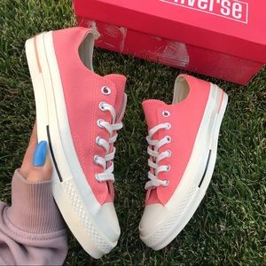 NWB CONVERSE ALL-STAR LOWTOP WOMENS SIZE 8